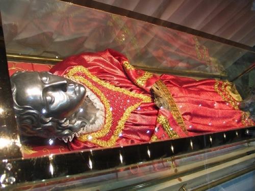 Vista superior del cuerpo de Santa Lucía. Iglesia de los Santos Jeremías y Lucía. Venecia (Italia)