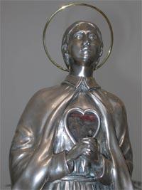 Relicario con el corazón de la Santa. Santuario de Santa Gema Galgani, Madrid (España)
