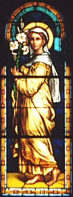 Detalle de la Santa en una vidriera decimonónica de la catedral de Nancy, Italia.