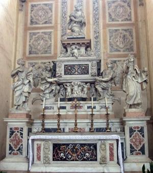 Altar con reliquias de los Niños Inocentes. Basílica de Santa Justina, Padua (Italia).