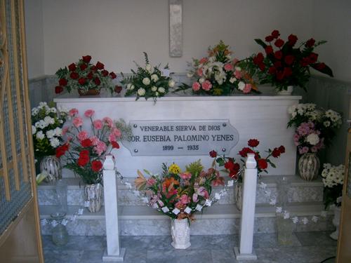 Eusebias grav i Colegio de las Hermanas Salesianas i Valverde del Camino i Huelva