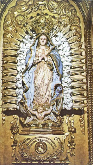 Imagen de Nuestra de Guadalupe venerada en su Basílica en Santa Fe, Argentina.