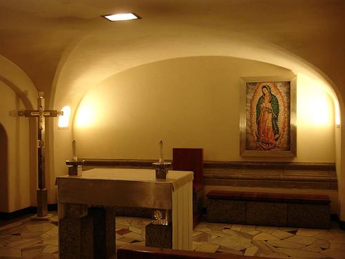 Capilla de la Virgen de Guadalupe en las grutas vaticanas.