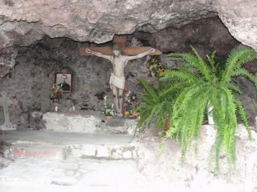 La cueva del padre Nieves, donde oficiaba misa durante la persecución religiosa.