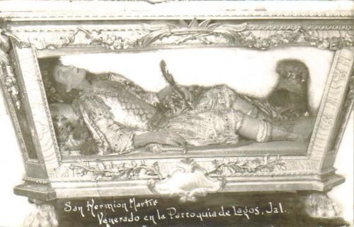 Antigua fotografía de la urna de San Hermión.