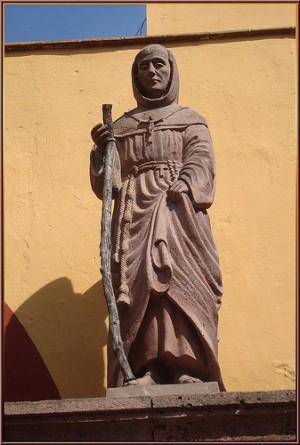 Monumento del Venerable Margil de Jesús en el Convento de la Santa Cruz de Querétaro.