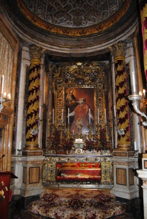 Capilla-sepulcro del Santo en la Chiesa Nuova, Roma (Italia).