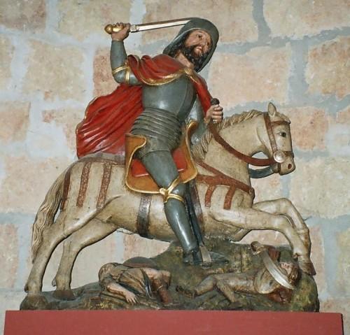 """Escultura del Santo a caballo como """"Matamoros""""; instrumento iconográfico del cristianismo frente al Islam en la Península Ibérica. Carrión de los Condes, Palencia (España)."""