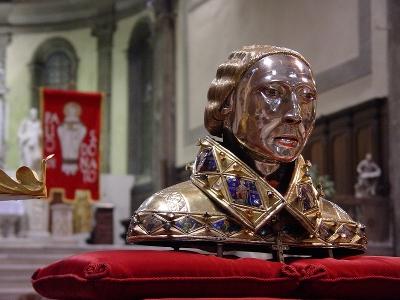 Vista del busto-relicario con el cráneo de San Donato venerado en Cividale del Friuli, Italia.