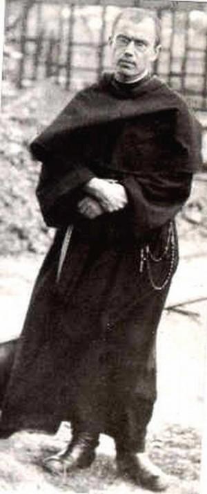 Fotografía del Santo en su hábito de franciscano conventual.
