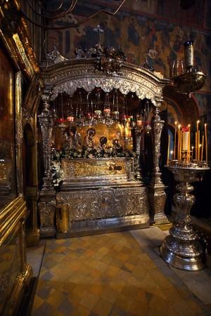 Vista del sepulcro completo del Santo. Monasterio de San Sergio, Rusia.