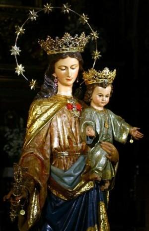 Imagen de María Auxiliadora venerada en Sevilla (España).
