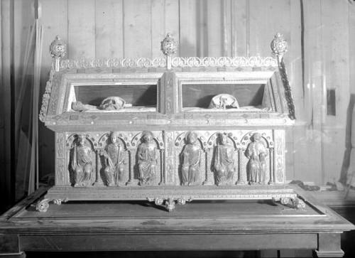 Urna con los restos de San Bernardo y San Malaquías, Troyes (Francia).