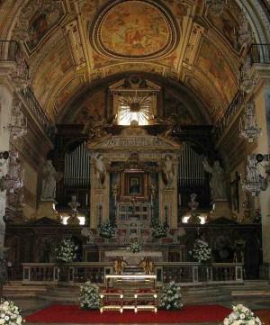 Vista del altar mayor de la Basílica.