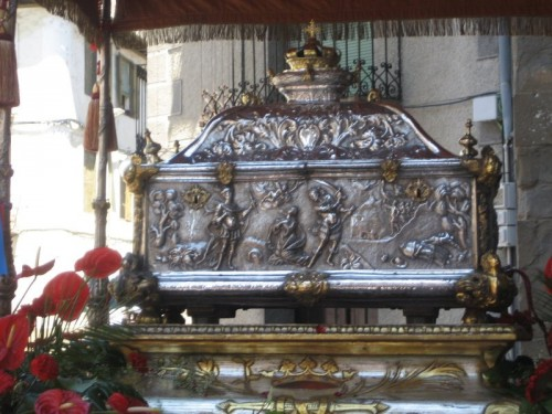 Urna de las reliquias de la Santa, sacada en procesión el día de su fiesta. Catedral de Jaca, España.