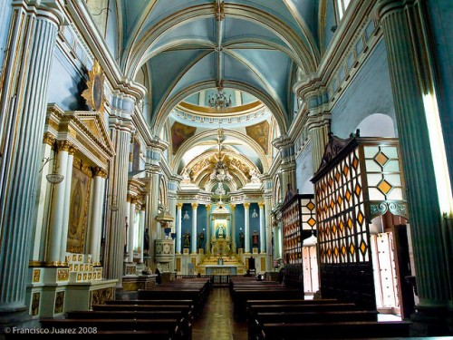 Interior del templo de Jesús y María de Guadalajara, México. Fotografía: Francisco Juárez, año 2008.