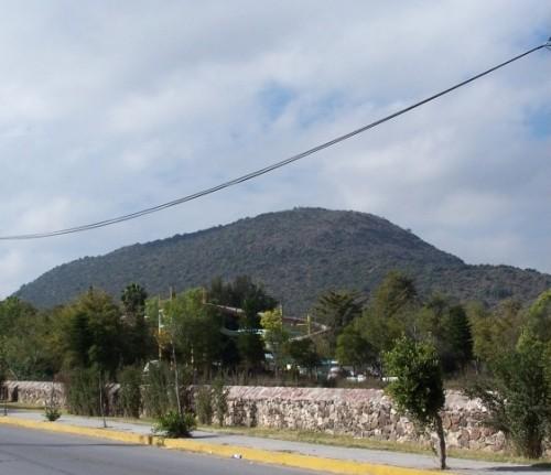 Cerro Ponzha, centro de idolatría, en sus cercanías los misionerosevangelizarony sentaron la devoción a la Inmaculada como Santa Jacoba.