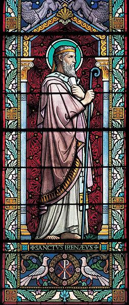 Detalle de San Ireneo en una vidriera decimonónica obra de Lucien Bégule. Iglesia del Santo en Lyon, Francia.