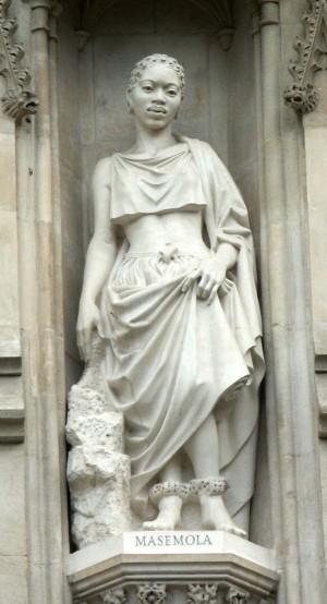 Escultura de Manche Masemola en la galería de mártires del siglo XX. Abadía de Westminster, Reino Unido.