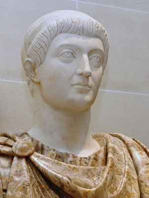 Busto del emperador Constantino.