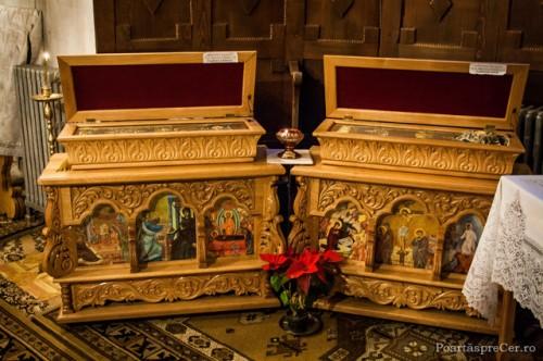 Vista de las reliquias de los dos Santos expuestas a veneración de los fieles.