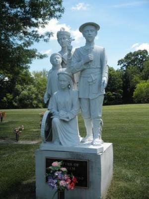Escultura de cuatro santos mártires vietnamitas.