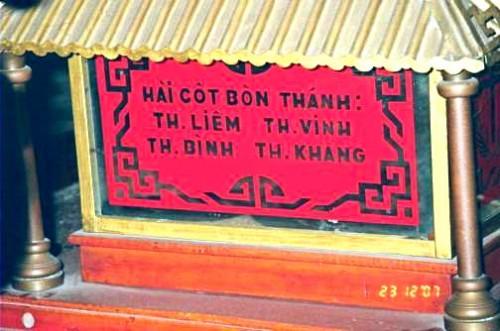 Reliquias de cuatro santos mártires vietnamitas.