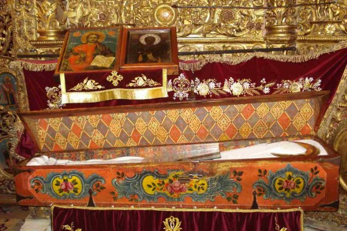 Actual urna del Santo en el monasterio de Rila, Bulgaria.