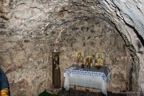 Celda donde vivió San Ciríaco, hoy transformada en capilla.