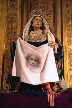 Imagen procesional de la Verónica perteneciente a la Hermandad del Valle, Sevilla (España).