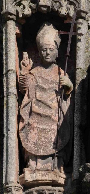 Estatua de San Fructuoso. Fachada de la catedral de Braga (Portugal).