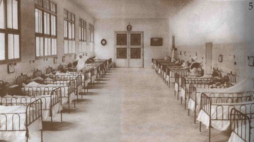 Enfermería de niños en el Hospital Provincial de Valencia, donde trabajaba la Beata Josefa Martínez.