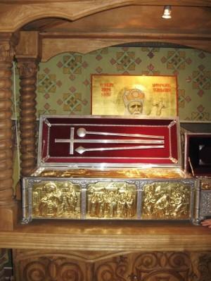 Reliquias del Santo en la catedral de Sibiu, Rumanía.