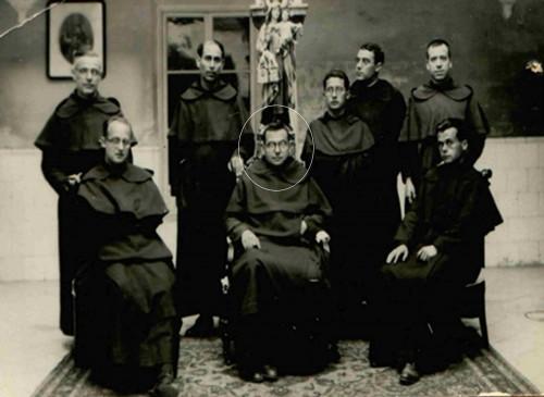 Comunidad de Montoro en 1935. El beato José Mateos está en un círculo.