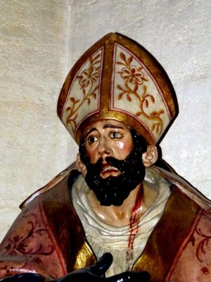 San Crispín, obispo mártir de Écija (España). Escultura atribuida a Juan de Mesa.