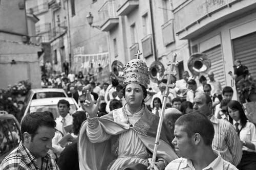 Fotografía de la procesión en honor al Santo en la ciudad italiana de Cairano. Fuente: www.cairanoproloco.it
