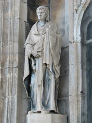 Escultura decimonónica del Santo en el Duomo di Santa Maria Nascente, Milán (Italia).