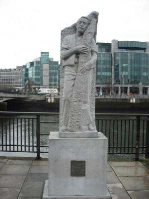 Escultura del Venerable Mateo Talbot en Dublín (Irlanda).