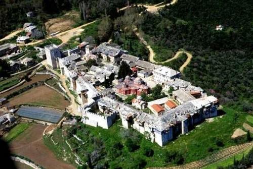 """Vista del monasterio """"Megisti Lavra"""" (Gran Laura), fundado por San Atanasio."""