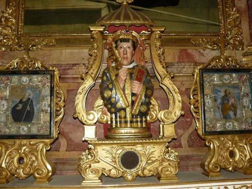 Escultura-relicario en la iglesia abacial de San Ciríaco. Alforf, Alsacia (Francia).