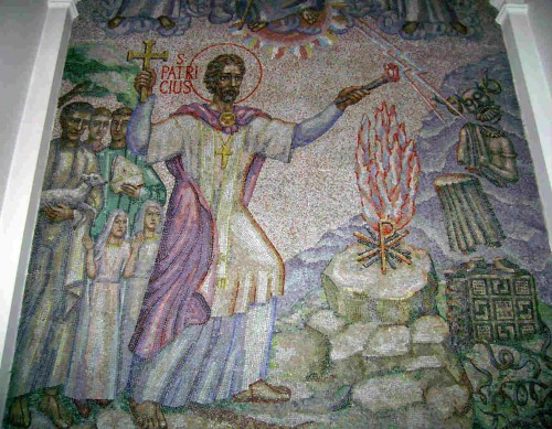 Mosaico contemporáneo del Santo, obra de Boris Anrep. Catedral de Cristo Rey, Mullingar (Irlanda).