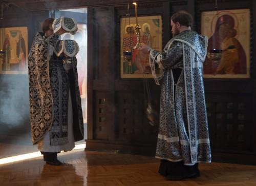 Liturgia de los Dones Presantificados celebrada en Rumanía.