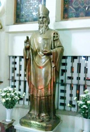 Estatua del Santo en su iglesia de Ciudad Ho Chi Minh, Vietnam.