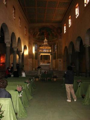 Vista del interior del templo, nave central.