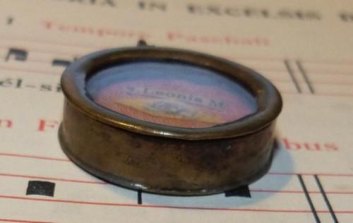 Teca relicario del Santo con un fragmento de reliquia.