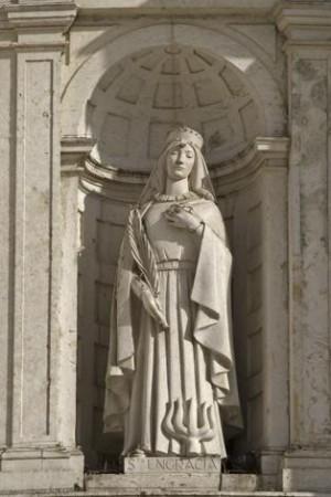 Escultura de Santa Engracia en el Panteón Nacional de Lisboa (Portugal). La iconografía corresponde a la Santa zaragozana.