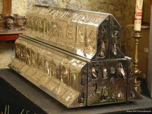 Relicario actual que contiene las reliquias de la Santa. Colegiata de la Santa en Nivelles, Bélgica. Fotografía: Jean-Paul Grandmont.