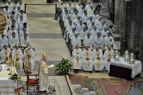 Misa crismal en la catedral de Compostela.