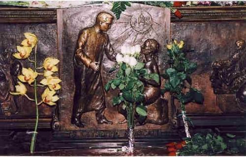 Detalle del sepulcro del Santo.