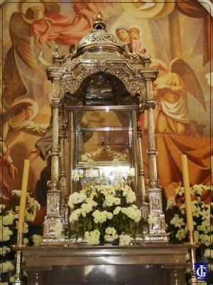 Urna del Santo en su santuario de Jerez de la Frontera (España).